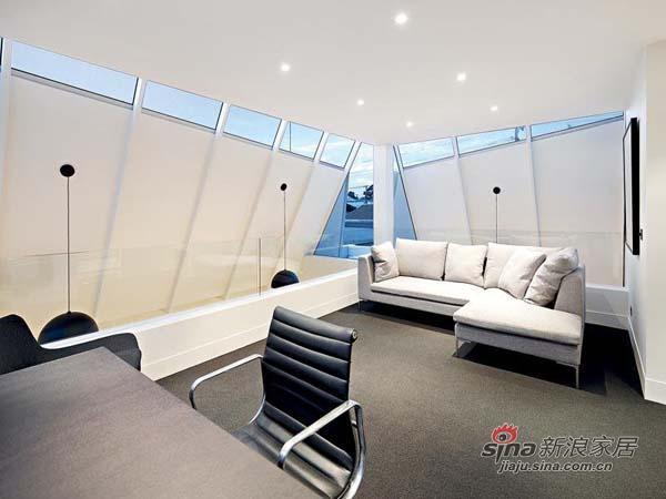 简约 别墅 客厅图片来自用户2738813661在单身男士超爱的硬朗明亮豪宅81的分享