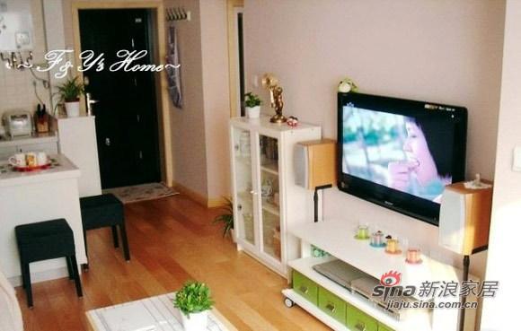 简约 二居 客厅图片来自用户2738813661在10万打造51平超梦幻老公房16的分享