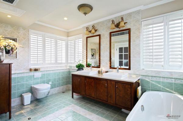 木百叶窗+绿色仿古砖,色调轻松明快