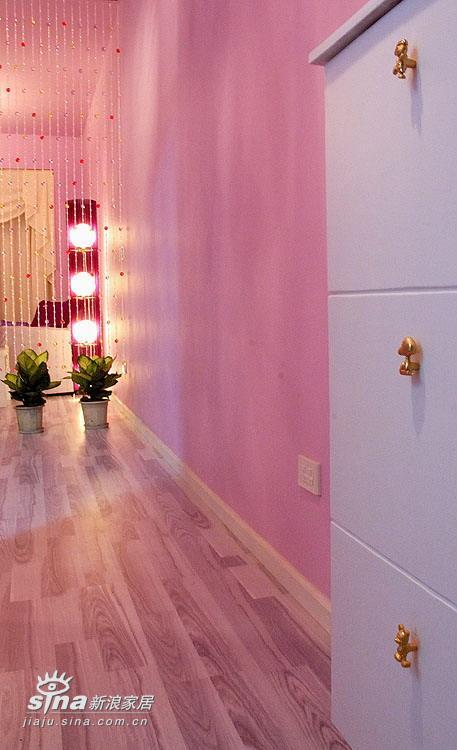 欧式 二居 玄关图片来自用户2757317061在温馨、浪漫、略带点华丽的婚房设计66的分享