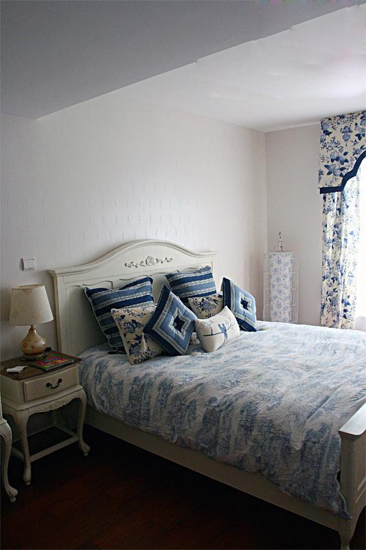 美式 二居 卧室图片来自用户1907686233在6.2万打造美式乡村风格两居室爱家39的分享