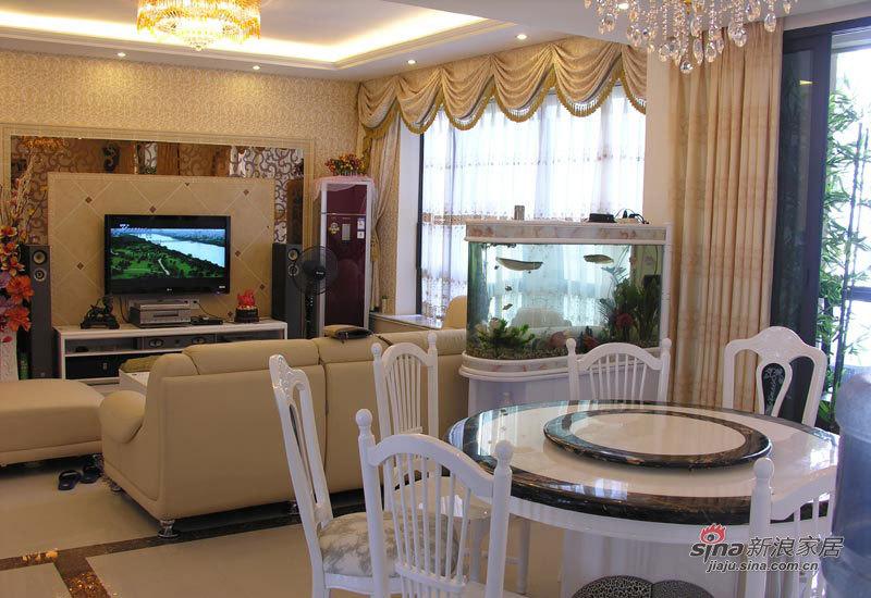 欧式 三居 客厅图片来自用户2746948411在141平简约欧式60的分享