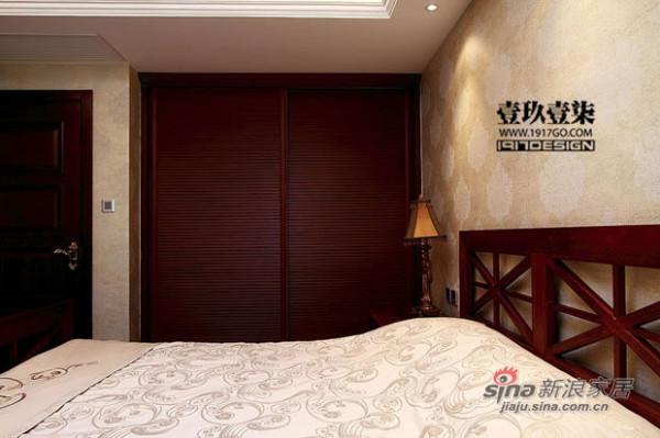 欧式 三居 卧室图片来自用户2772856065在228平弥漫奢华本质美宅170的分享