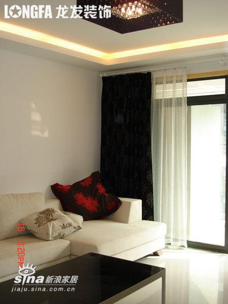 简约 二居 客厅图片来自用户2739153147在三口之家-实景图90的分享