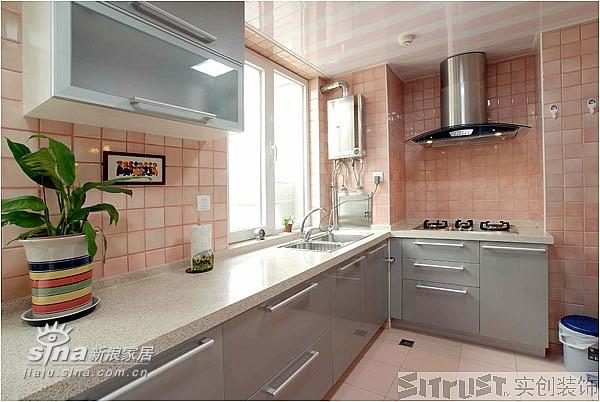 欧式 三居 厨房图片来自用户2557013183在实创装饰中艺家属楼12的分享