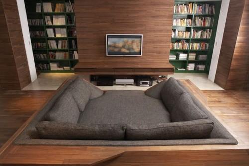 不想动的时候 就窝在这张沙发床里 看看电影,听听歌,玩玩手机 和爱人聊天耳语。。。。。 然后静静睡去