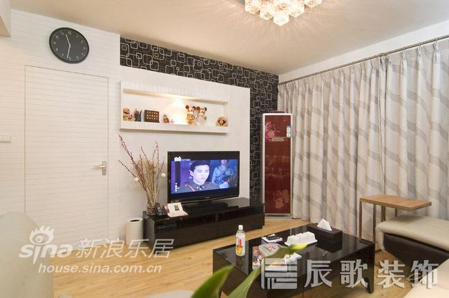 简约 二居 客厅图片来自用户2557010253在空间与视觉的穿梭72的分享