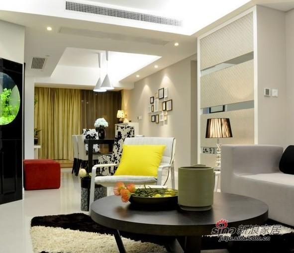 简约 二居 客厅图片来自用户2737735823在中年男7万自装完美2居房89的分享