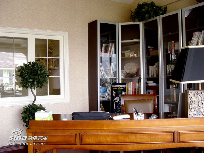 欧式 别墅 书房图片来自用户2746953981在某联体别墅14的分享