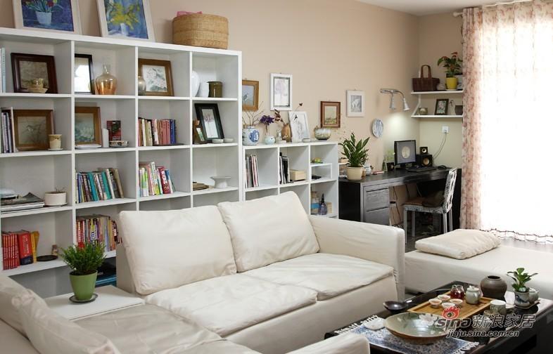 欧式 二居 客厅图片来自用户2772856065在102平中式简约陶瓷雅致之家81的分享