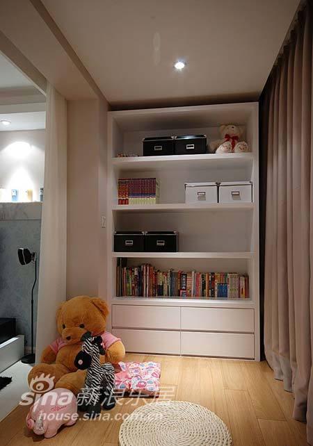 简约 三居 客厅图片来自用户2738093703在135平清新素雅格调简约家37的分享