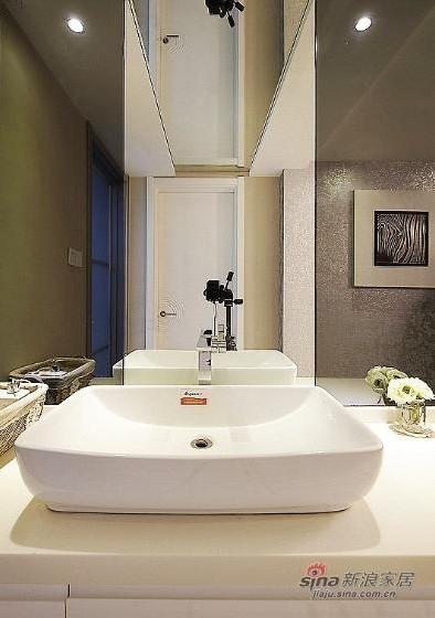 简约 复式 卫生间图片来自用户2738813661在一套200平方简约低调奢华混搭四居室复式55的分享