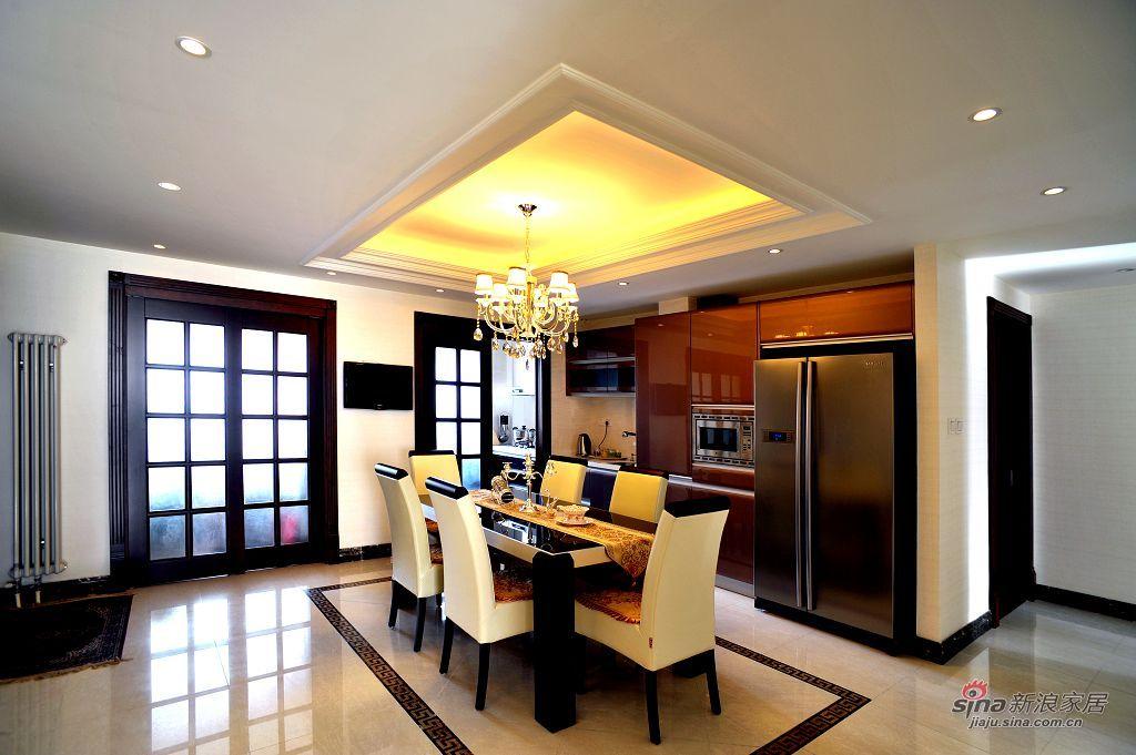 新古典 三居 客厅图片来自用户1907701233在198㎡北京华侨城新古典三居实景效果69的分享