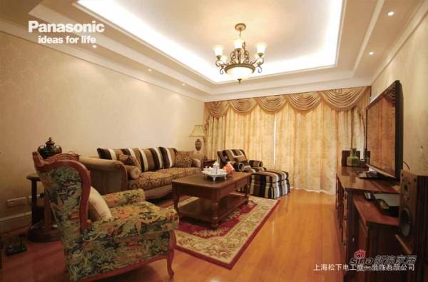 客厅浓浓的美式风格让业主很喜欢
