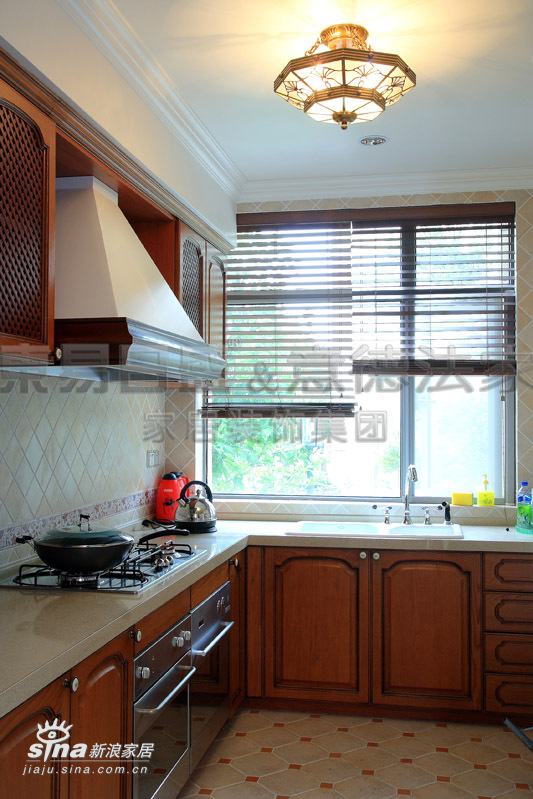 欧式 别墅 厨房图片来自用户2772856065在江南诱惑吹入欧式别墅69的分享