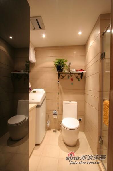 现代 四居 卫生间图片来自用户2772840321在18.7万装浪漫度假4居52的分享