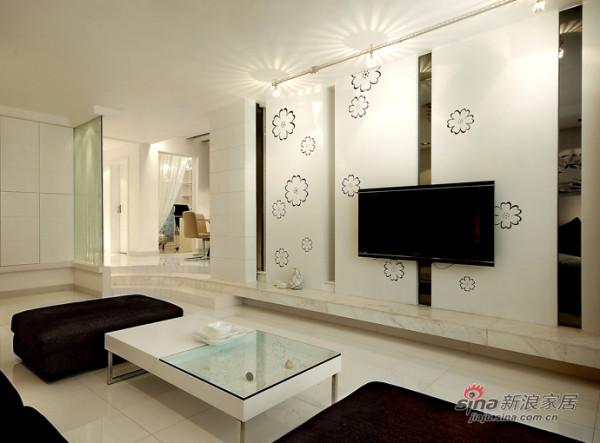 干净利落为设计主题,不做过多的复杂造型,合理划分整个空间,充分利用空间,让功能性更强大。