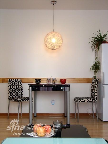简约 二居 客厅图片来自用户2738093703在花与圆36的分享