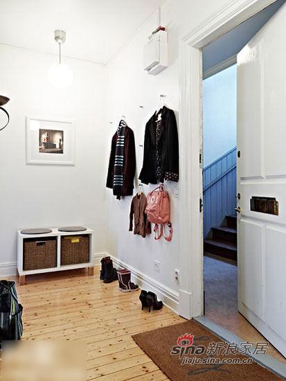 浅色实木地板铺贴78平稳重屋
