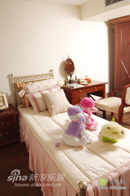 儿童房温馨实用,布艺床上套装