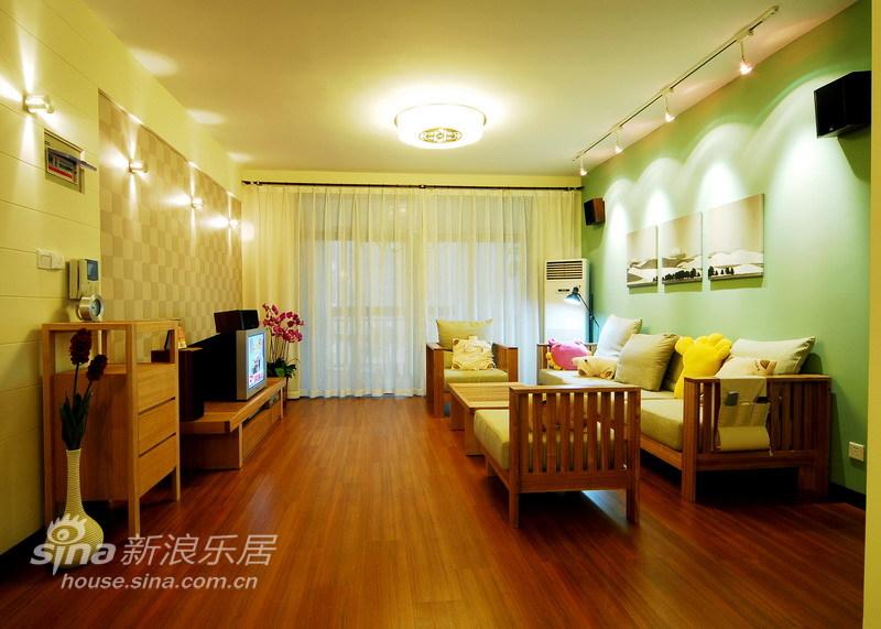 简约 三居 客厅图片来自用户2738813661在简练雅致三居室45的分享