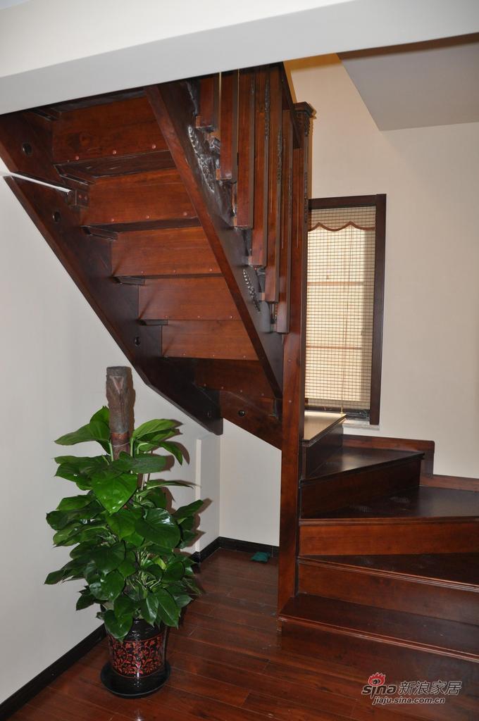 新古典 别墅 楼梯图片来自用户1907664341在我的专辑578834的分享