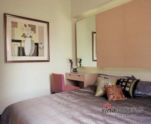 简约 三居 卧室图片来自用户2559456651在13万装低调奢华146㎡三居75的分享