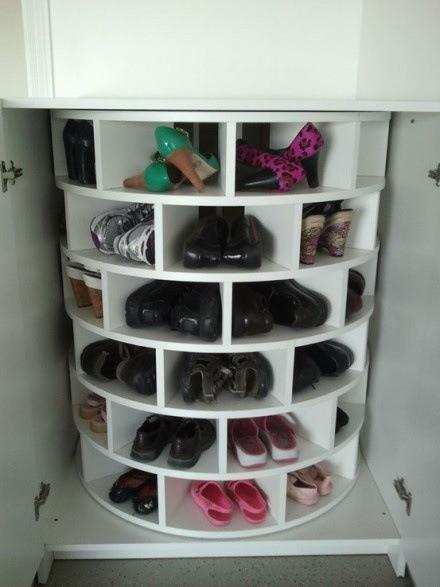 门口鞋柜里鞋有家了