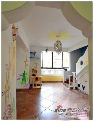 过道设计,墙面都是的彩绘图案
