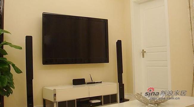 简约 一居 客厅图片来自用户2737782783在80后花8万打造60平简约婚房13的分享