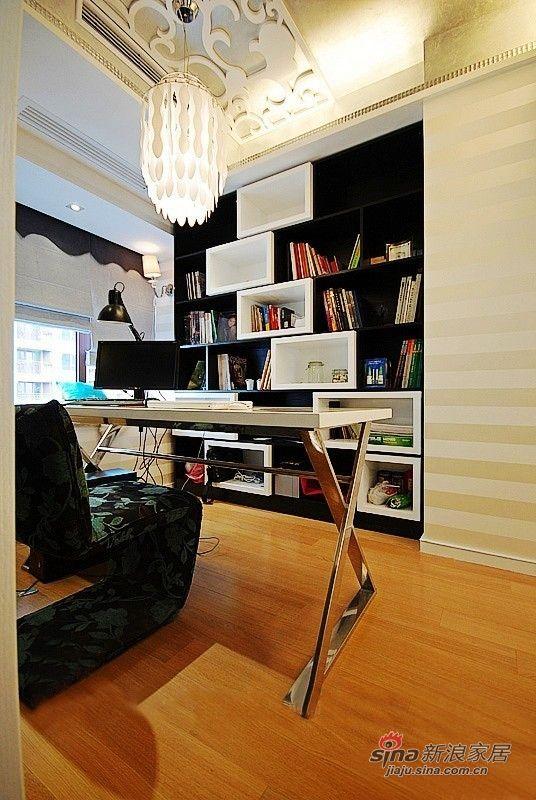 现代简约 书房图片来自用户2558757937在巧用角落空间小家变大宅的分享