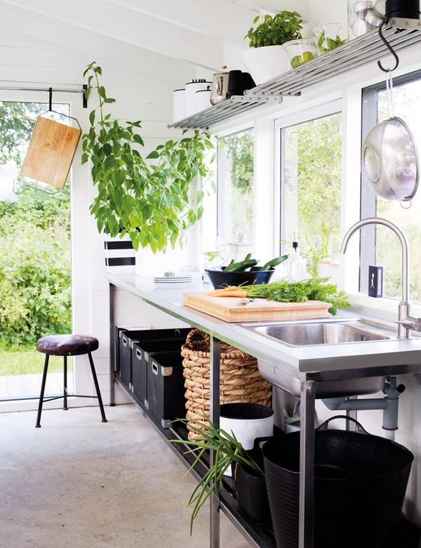 厨房 餐具 家居 田园图片来自用户2771736967在简单而自然 17个北欧乡村风格厨房装修的分享