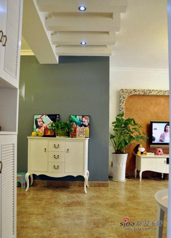 混搭 三居 客厅图片来自用户1907691673在13万90平幸福爱巢混搭3居62的分享