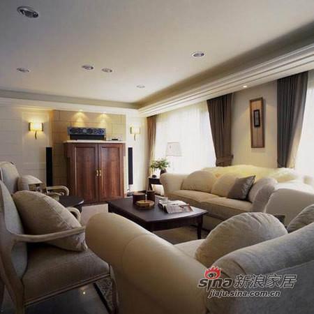 沙发很大很软