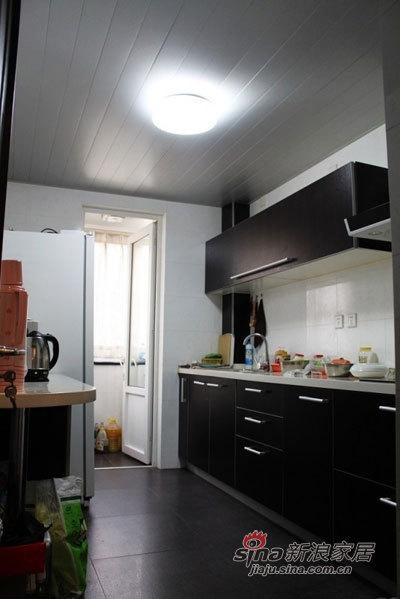简约 二居 厨房图片来自用户2556216825在甜蜜夫妻130平超炫小资婚房20的分享