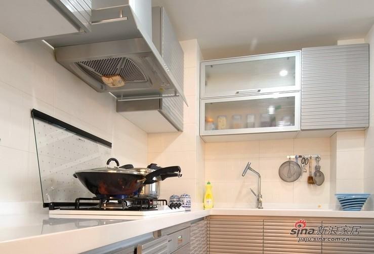 简约 一居 厨房图片来自用户2737735823在辛苦5个月装修60平简约小家72的分享