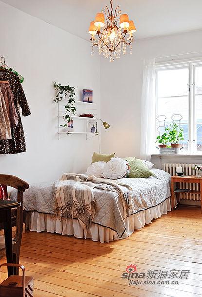 卧室 北欧 屌丝图片来自用户2772840321在22款舒适卧室装修 宅家族的窝心体验的分享