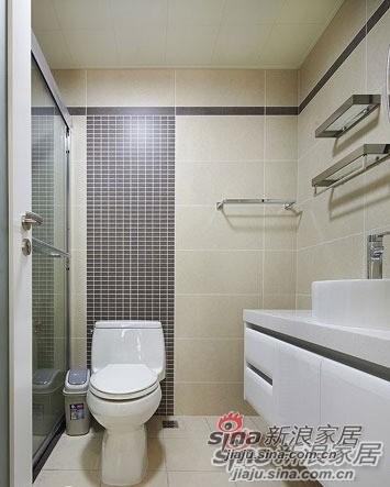 简约 一居 卫生间图片来自用户2737782783在看100㎡如何用黑白色改造成温馨三口之家!90的分享