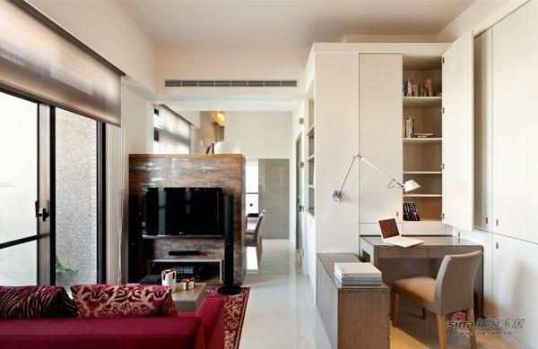 书桌及客厅