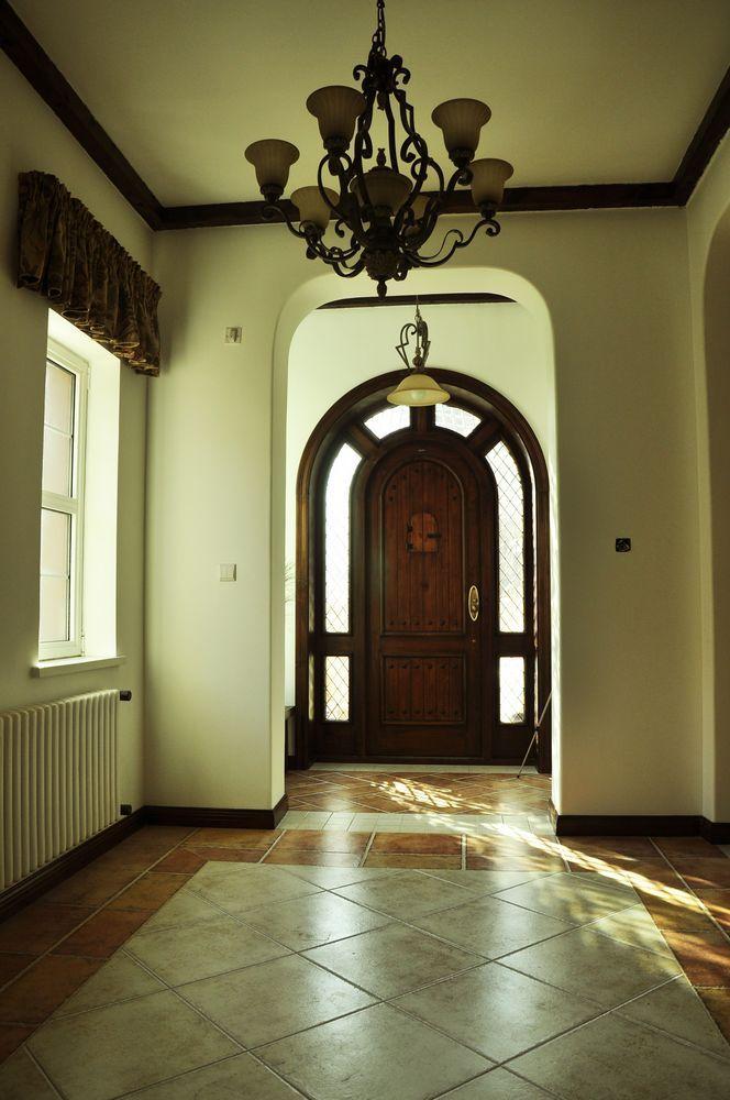 美式 别墅 玄关图片来自用户1907686233在29万打造330平米美式乡村别墅52的分享