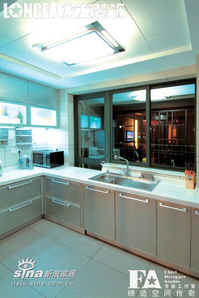 简约 三居 厨房图片来自用户2745807237在三居简约欧式样板间51的分享