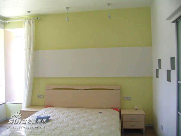 简约 四居 卧室图片来自用户2737782783在李静的现代简约作品17的分享