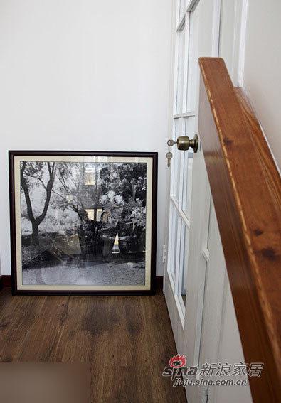 欧式 跃层 客厅图片来自用户2745758987在小白领赖上美式风格 实拍30万元跃层装修321的分享