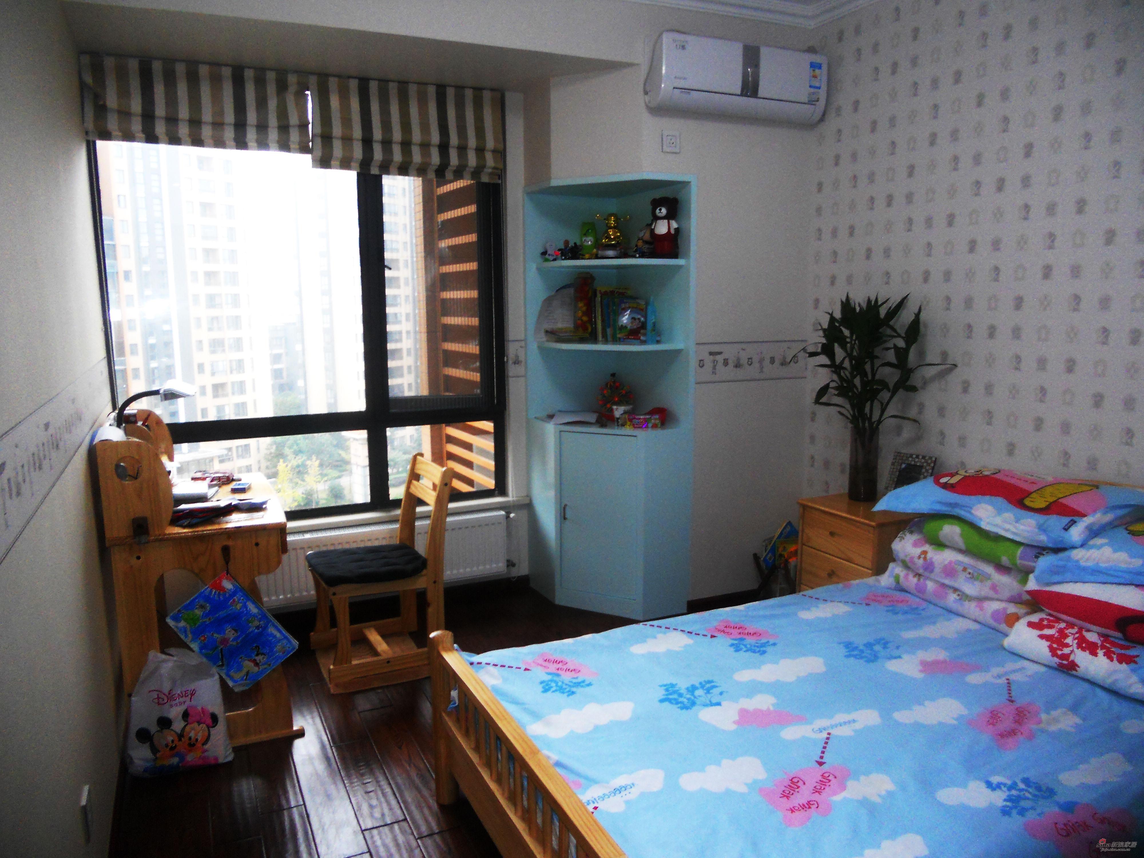 混搭 三居 卧室图片来自用户1907689327在经典生活-150平米完美设计63的分享