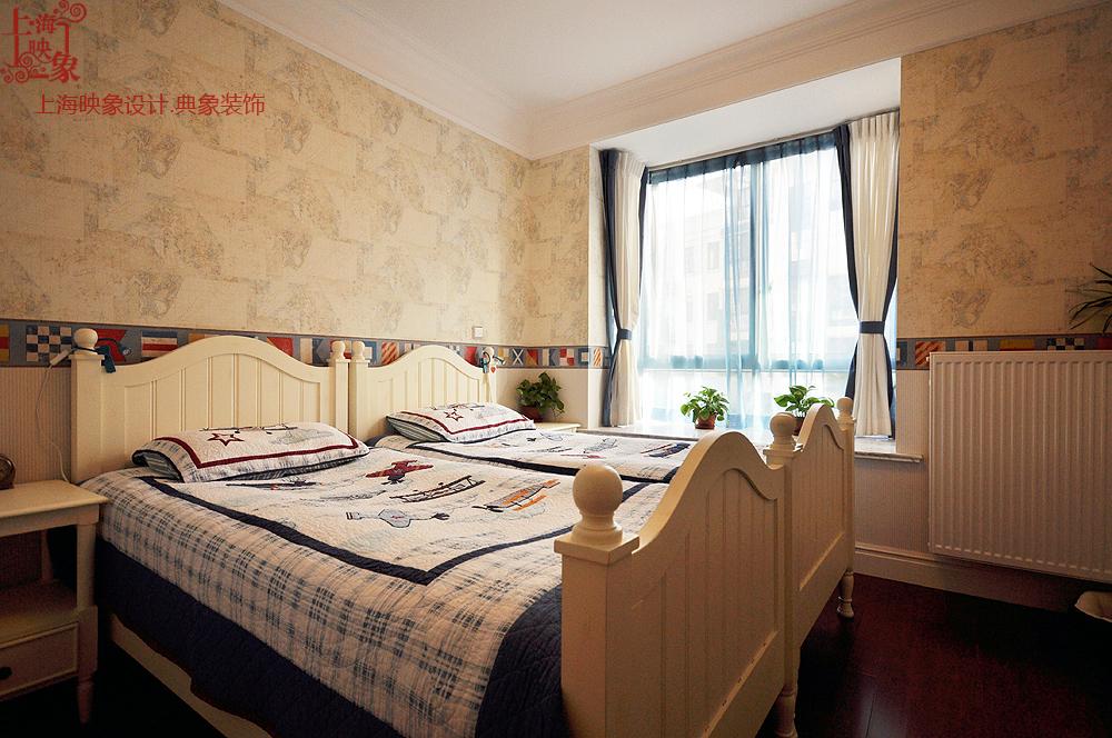 混搭 复式 卧室图片来自上海映象设计-无锡站在【高清】半包21万打造明亮250平清晨36的分享