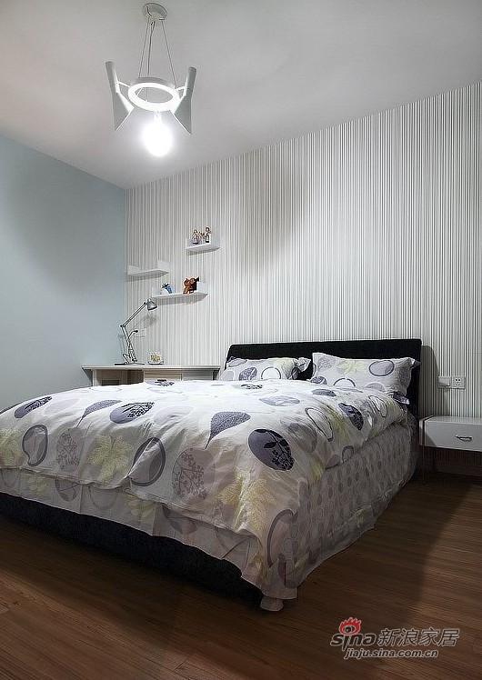 简约 二居 卧室图片来自用户2738093703在6.7w打造后现代美式风格32的分享