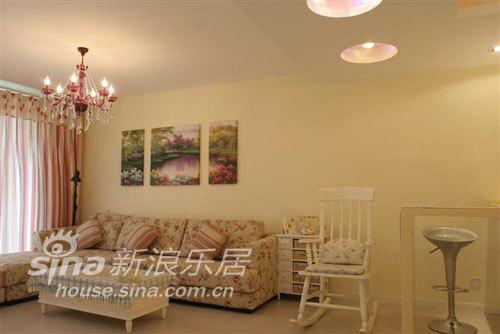 简约 二居 客厅图片来自用户2739378857在随意的生活,田园的家39的分享