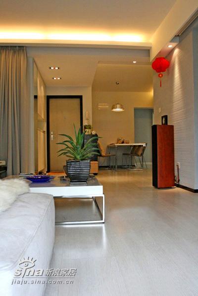 简约 二居 客厅图片来自用户2557010253在22万装77平精彩简约2居 附实景图和装修清单(4)80的分享
