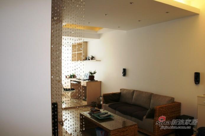 简约 一居 客厅图片来自用户2556216825在现代感觉的易居12的分享