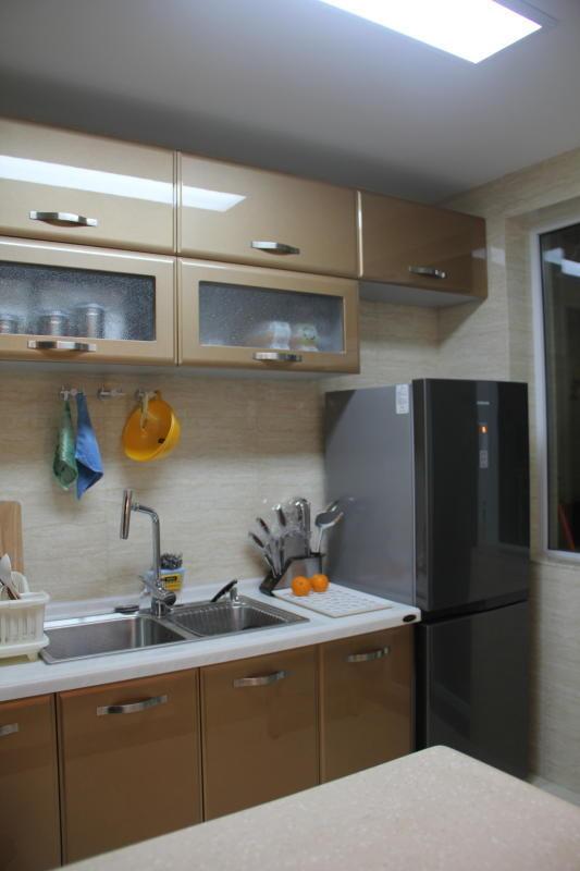 厨房北-冰箱
